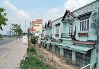 Những căn nhà nhếch nhác trên đại lộ