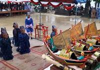 Hàng trăm người đội mưa dự lễ khao lề thế lính Hoàng Sa