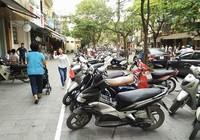 Hà Nội cho xén vỉa hè làm bãi giữ xe