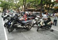 Xén vỉa hè làm bãi xe: Cú đi ngược đáng trách