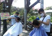 Từ Biên Hòa, anh Tân lên Sài Gòn hớt tóc miễn phí