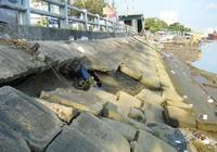 Nguy hiểm khôn lường khi bờ kè bị sụt lún