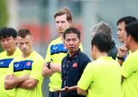 HLV Hoàng Anh Tuấn bạc đầu vì U-20 Việt Nam