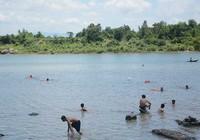 4 học trò mất tích trên sông Ba
