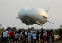 Máy bay lớn nhất thế giới lên tới độ cao gần 1.200m