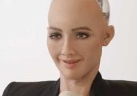 Robot xinh đẹp mỉa mai Tổng thống Trump