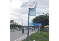 Nguy hiểm bảng quảng cáo chờ đổ