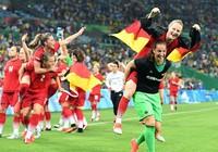 Đức trở thành 'bà kẹ' trên đất Hà Lan