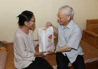 Tổng Bí thư Nguyễn Phú Trọng thăm người có công Hà Nội