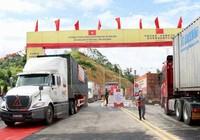 Thông xe tuyến chuyên dụng chở hàng Việt - Trung