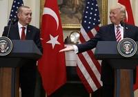 Mỹ-Thổ Nhĩ Kỳ đối đầu ngoại giao căng thẳng