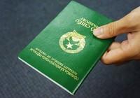 Người dân có được giữ lại hộ chiếu hết hạn không?