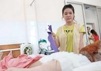 Cô gái 17 tuổi bị hủy hoại khuôn mặt vì acid
