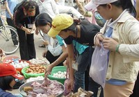 Pín dê, lòng heo… hết đường vào Việt Nam