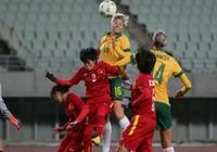 Bóng đá nữ Việt Nam quẫy cựa trong bảng quá nặng