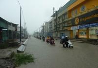 Nhiều tuyến đường nhếch nhác sau cơn mưa lớn