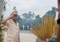 Công an TP.HCM dâng hương tưởng nhớ anh hùng liệt sỹ