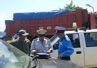 Audio: Bị tố bảo kê xe quá tải, CSGT Đà Nẵng nói gì?