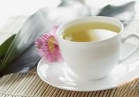Uống trà không đúng cách có thể gây giòn xương?