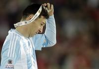 Messi được đưa lên 'cân' với Maradona