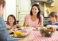 8 quy tắc cho bữa ăn gia đình khỏe mạnh