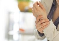 Những biện pháp tự nhiên giúp giảm đau khớp