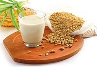 Ai không nên uống sữa đậu nành?