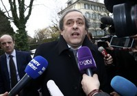 Blatter điều trần trước FIFA, Platini nói không thèm đến