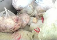 Gần 400 kg thịt thối được tuồn vào chợ tiêu thụ