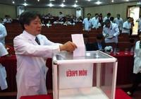 BV Việt Đức ủng hộ 300 triệu mua BHYT cho người nghèo