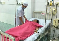 Cứu sống một người mất máu nặng do xuất huyết vết mổ lấy thai