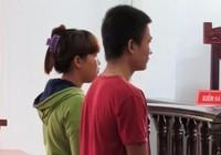 Bênh họ hàng, vợ chồng trẻ dắt nhau vào tù