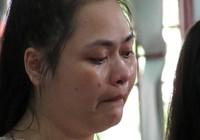 Nữ bị cáo khóc nức nở hối hận vì đã lừa tiền tỉ