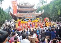 Chen chân khai hội Chùa Hương