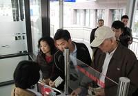 Buýt nhanh BRT Hà Nội: Thu phí vẫn hút khách