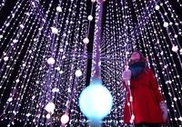 Không khí Giáng sinh tràn ngập khắp phố phường