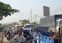 Chùm ảnh: Kẹt xe nghiêm trọng ở cửa ngõ phía Tây TP.HCM