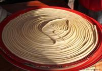Thích thú với kỹ thuật làm mì sợi thủ công