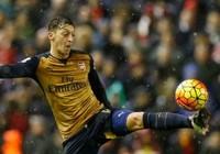Wenger sẽ 'nói chuyện' với Ozil  