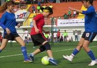Vui nhộn giải bóng đá nữ công nhân viên chức