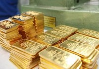 Vàng ngoại rớt giá thê thảm