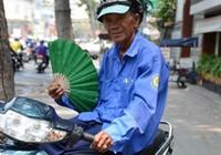Người Sài Gòn đối mặt với cái nóng như lửa đốt