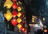 Huế lung linh trong mùa Phật đản