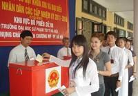 Báo Pháp Luật TP.HCM trao giải cuộc thi 'Công dân với bầu cử'