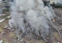 Cảnh hoang tàn sau vụ nổ pháo bông làm 26 người chết