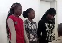 Mục sư Zimbabwe nghi bị cưỡng bức bởi 3 cô gái trẻ