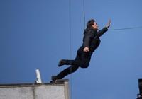 Tom Cruise bị gãy xương, Mission:Impossible 6 dừng quay