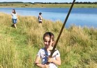 Bé 7 tuổi tìm được gươm báu của vua Arthur?