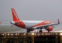 Máy bay hạ cánh khẩn cấp vì sự cố mùi thối