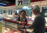 Vissan tạm ngưng nhập khẩu thịt để giải cứu heo